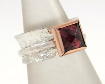 Natural Garnet Ring 18K Gold & Sterling Silver Signed Spinner Handmade Sz 6.5 Vintage NOS