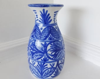 "SPANISH POTTERY VASE - Hand Painted In Cobalt Blue & White - Signed Anil, Toledo - Height: 7 1/8"" (18 cm)"