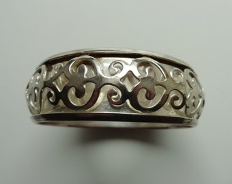 """SILVER OPENWORK BANGLE - Silver Plated Over Copper - 7/8"""" (2.2 cm) Wide - Inner Circumference: 8"""" (20.4 cm) - 2 1/2"""" (6.4 cm) In Diameter"""