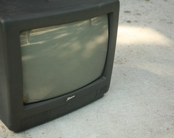 Set Design, Zenith TV, Television Screen, Working, Retro TV, Electronics, 1990s, Vintage Electronics