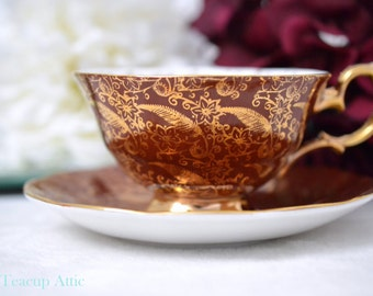 Superb Red and Gold  Sovereign Elizabethan Teacup and Saucer Set, English Bone China Teacup And Saucer, ca.1950-