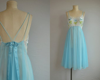 Vintage 1960s Vanity Fair Nightgown  / 60s Sheer Embroidered Floral Babydoll Night Gown Nightgown Lingerie / Turquoise Blue