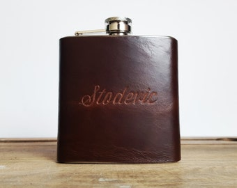 Waxed Brown Hipflask || Custom Leather Flask - Genuine leather,  personalized leather flask