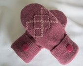 Women's rose lambswool mittens diamond design fleece lined size medium RTS