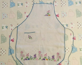 1930s Apron Hand Embroidered Cream flowers Vintage Embroidery Sewing