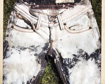 Vintage 90s Women's Low Rise BLEACHED DKNY Zipper Fly Denim Jeans – Size 29