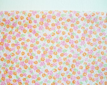 Lovely German Vintage Pink, Purple and Rosy Tiny Flower Cotton Fabric for sewing / Sewing supply yardage Patchwork