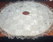 Handmade Ivory Christmas patchwork quilted tree skirt for holiday, christmas tree, decorations by MarlenesAttic