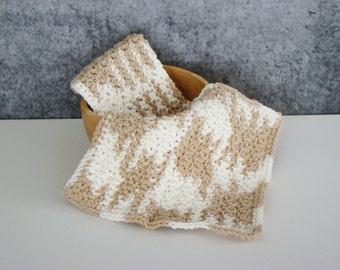 Beige and White Spa Set, Crochet Spa Cloth, Cotton Wash Cloth Set, Crocheted Homegoods, Eco Friendly Spa Cloth, Bathroom Spa Cloth, Set of 2