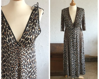 70's LEOPARD PRINT NIGHTIE with matching robe - Bombshell // Sex Kitten // Pin Up // Boudior // Exotic