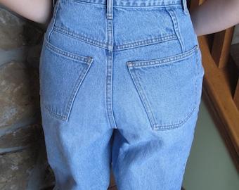 Gap High Waist Tapered Womens 1990s Jeans, Mom Jeans, Acid Washed, Light Denim Blue