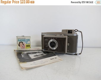 SPRING SALE Vintage Polaroid J33 Electric Eye Land Camera // Retro Style Folding Extending Camera Instant Film Untested Photography Prop Gif