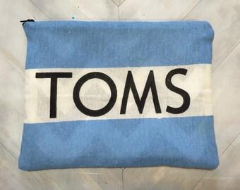 TOMs zipper pouch