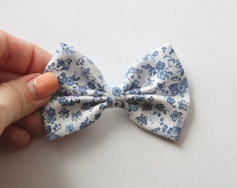 SMALL Willow Hair Bow - Blue & White Floral Pattern Hair Bow and Clip