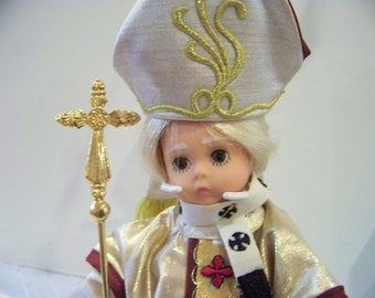 father of Vatican City Madame Alexander 8 in doll