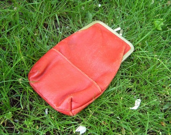 Vintage Red Faux Leather Tissue Holder, Red Pleather Pouch, Retro Faux Leather Clasp Purse, Cigarette Pouch with Side Pocket for lighter