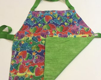 Child's Apron / Smock, reversible hearts and green pattern