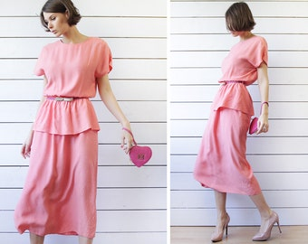 Vintage salmon pink polka dot viscose peplum waist over the knee length short sleeve summer midi dress M L