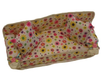 Adorable Flower Barbie Couch w/ 2 decorative pillows