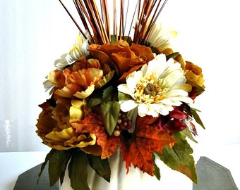 Cream pumpkin table arrangement, Thanksgiving centerpiece, Autumn floral arrangement, Pumpkin centerpiece, Thanksgiving table decor (A85)