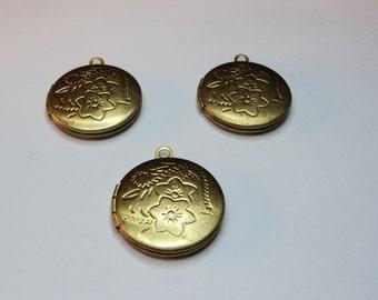 3 pcs - 20mm  Brass Round Lockets with floral design - m267d