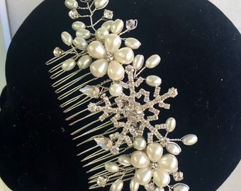 winter wedding - Snowflake - Winter snowflake - hair comb -Wedding hair comb -  Bridal hair accessories - party headpiece.
