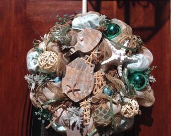 Wooden Seahorse Beachhouse Wreath