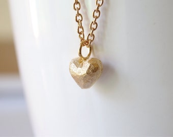 Gifts for Mum / Love You Mum / Golden Heart Pendant Necklace.  Plated Necklace. Love Gifts. Heart Charm Necklace.