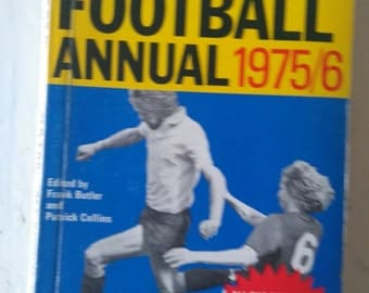 Vintage News of The World Small Football Annual 1975/6- Paperback