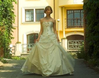 Elegant Modern-Romantic Ivory Silk Corset Ball Wedding Gown - Almira