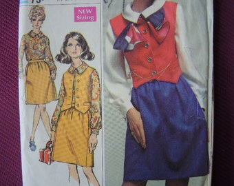 vintage 1960s simplicity sewing pattern 7865 misses skirt vest and blouse designer fashion size 10