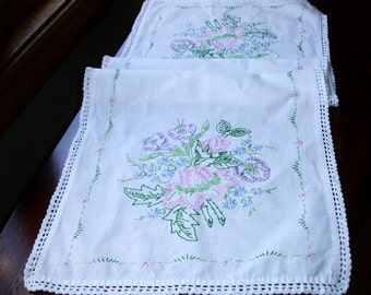Table runner, Dresser Scarf, French Country, Linen runner, hand embroidered, hand made, Cottage chic decor,  vintage runner