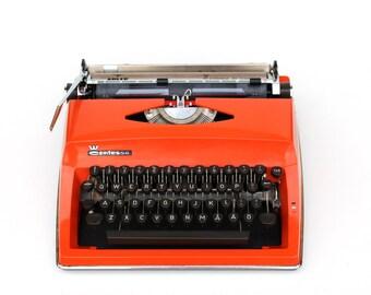 Red typewriter Working typewriter Orange typewriter Triumph Adler Portable typewriter Retro office decor Lightweight typewriter