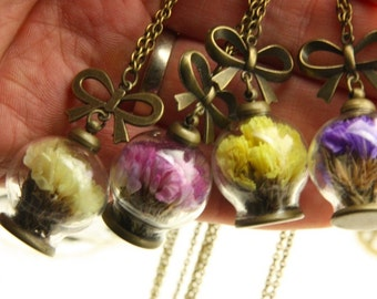 4 Necklaces dry flower pulpe