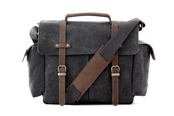 TRAIL Messenger Camera Bag / Gray Canvas