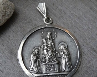 Ave Maria Medal. Old second hand in 900 silver.