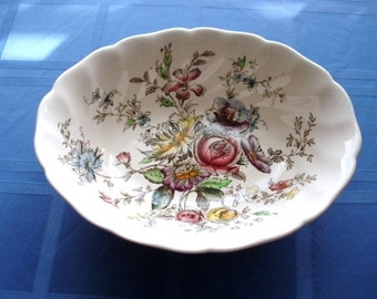 Beautiful vintage floral design serving dish, Johnson Bros, Sheraton style, Cottage Chic, French Country
