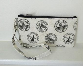 Wristlet zipper pouch