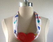 ON SALE 1980s Vintage Women's Big Hearts Kerchief Necklace