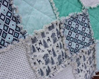 SALE: Modern crib / toddler size rag quilt in mint, navy & white, woodland deer