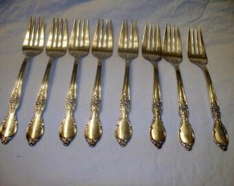 """VTG WM Rogers & Son IS """"Victorian Rose Silverplate Set of 8 Salad/Dessert Forks"""
