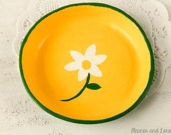 Clay jewelry dish / ring dish / jewelry holder / trinket bowl / clay storage dish / ring holder / clay dish / key holder
