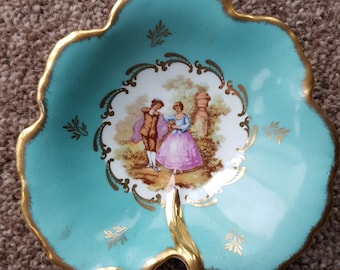 Limoges Porcelain Trinket or Pin Dish With Fragonard Lovers With Gold Rim