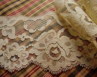 Vintage Ecru Chantilly Lace/one piece