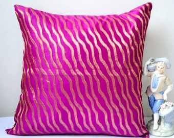 Brocade Throw Pillow Cover Deep Fuchsia Pillow Cover Pink Pillow Decorative Pillows 18x18 Cushion Cover Gold Shimmer Waves Cotemporary Decor
