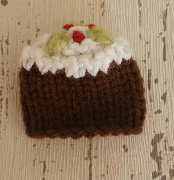 Knitting Pattern Christmas Pudding Ferrero Rocher : Christmas Pudding, knitting pattern, Lindt Lindor or Ferrero Rocher chocolate...