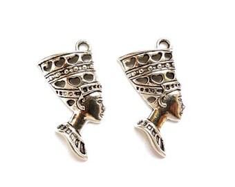 2 Antique Silver Nefertiti Pendant Charms - 27-33-2