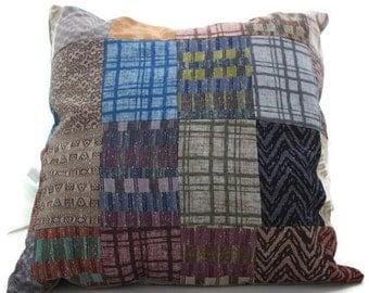 Decorative cushion, patchwork and vintage pieces