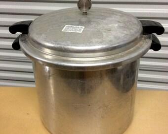 VINTAGE MIRRO MATIC 22QT pressure cooker/ canner aluminum cookware