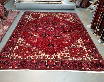 1990s Hand-Knotted Vintage Heriz Gorovan Persian Rug (3481)